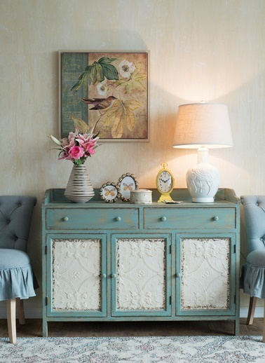 Warm Design Beyaz Kabartmalı Masa Abajuru Renkli